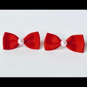 Red bow hair clip set with pearl detail